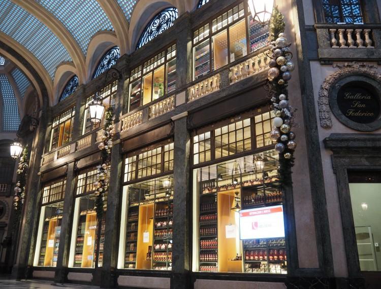 La Credenza Torino Galleria San Federico : Da fiorfood elegante concept store coop in galleria san federico
